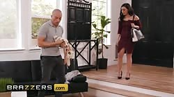 Brazzers - Whitney Wright Gets Oiled Up And Buttfucked Hard By Zac Wild